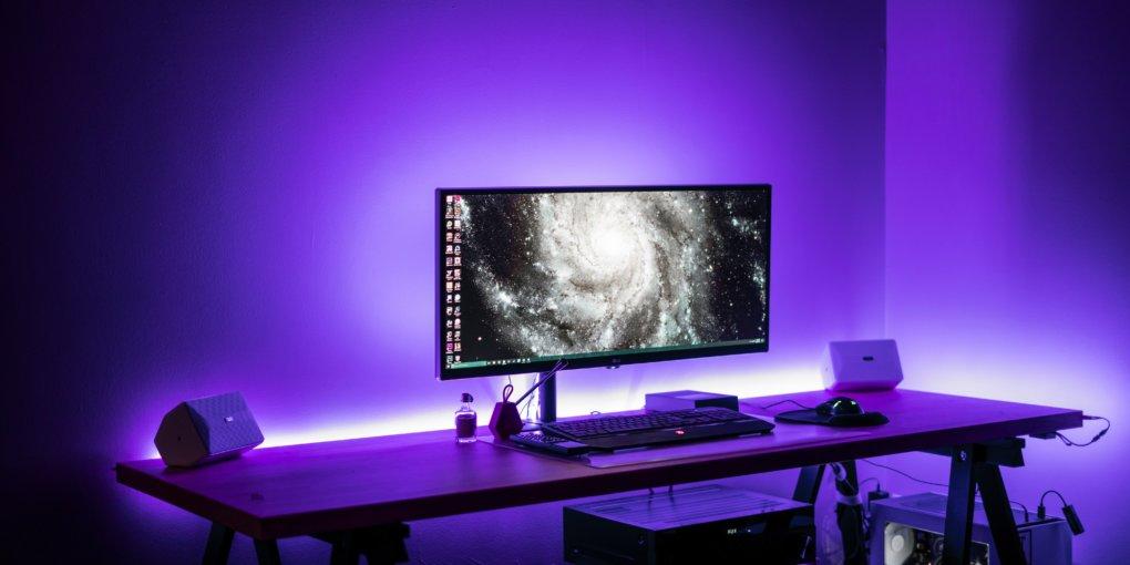 Kabelmanagement: Sauberer Schreibtisch